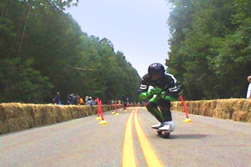 t-board Down Hill race